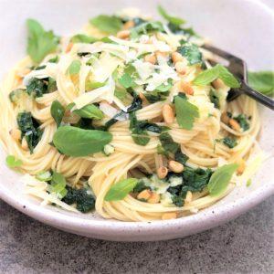Garlic and herb pasta - super quick simple pasta